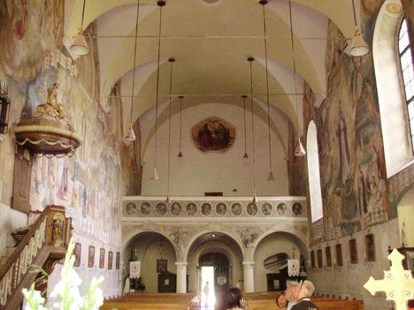 Pálos-Karmelita templom karzata