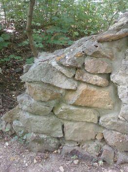 A Budaszentlőrinci Pálos kolostornál 24