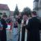 dr.Veres András megyéspüspök megáldja a táblát.