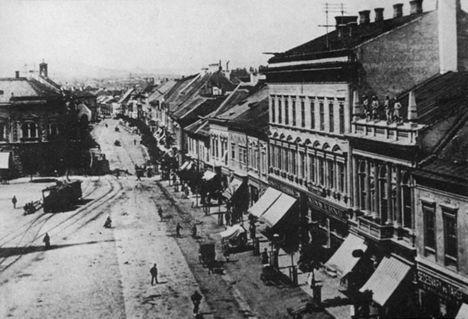 főtér északi oldala 1900