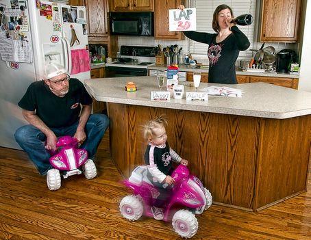 cím motorverseny .A világ legjobb Apukája