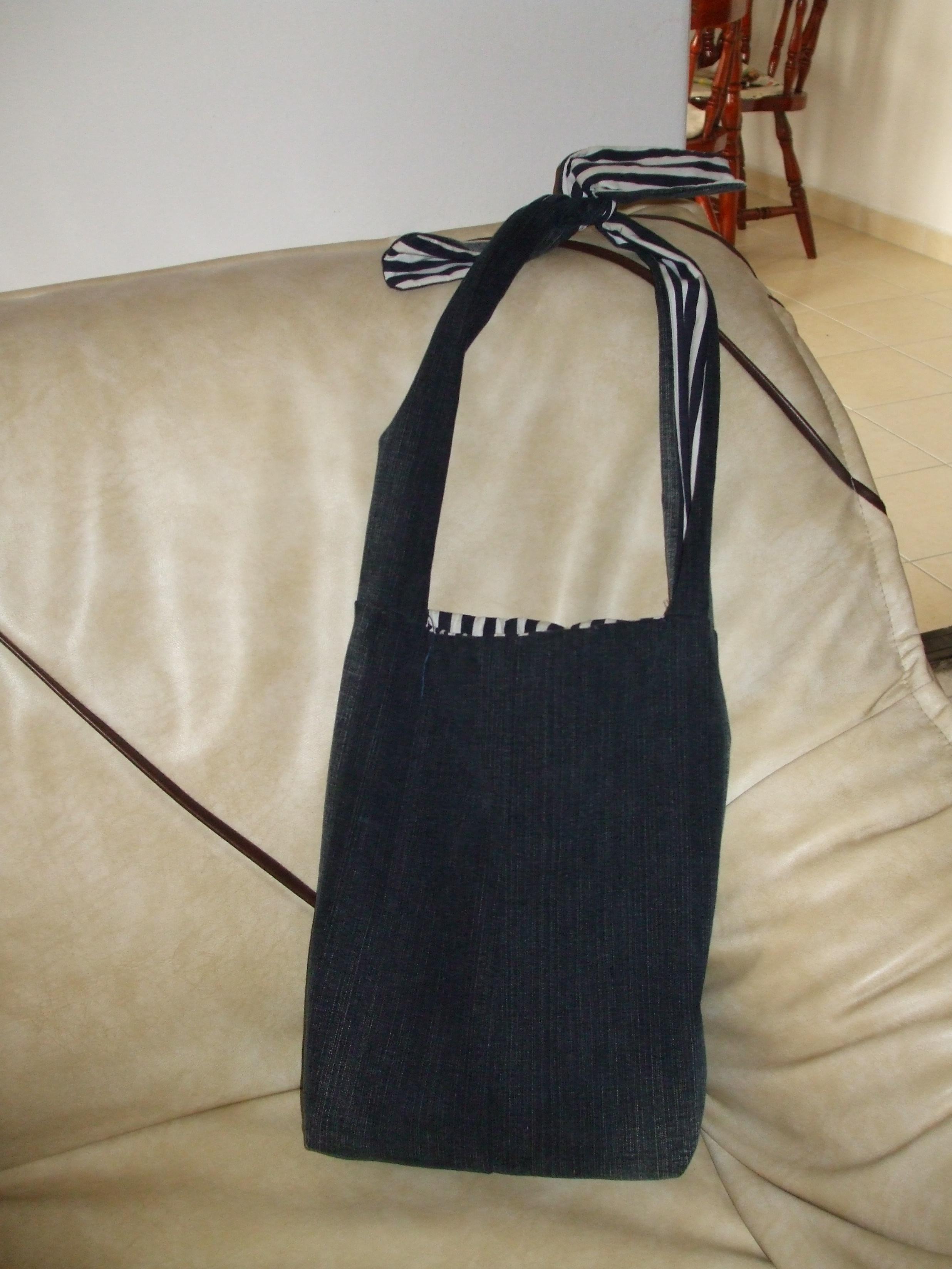 ca1753733e8e Gyöngyfűzés foltvarrás: farmer táska 1. (kép)