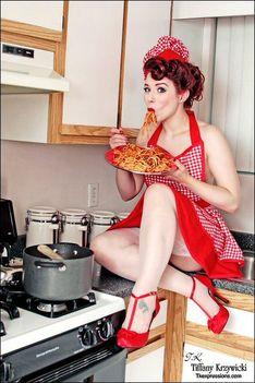 pin up ludella-hahn-tkexpressions-spaghetti-chef-cupcake-provocateur-apron