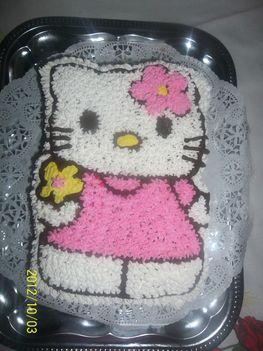 Hello Kittys torta