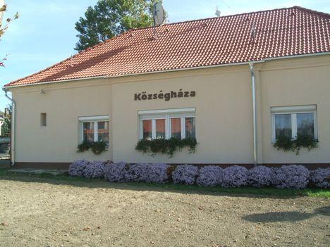 Tényői Önkormányzat épületei:  Polgármesteri Hivatal 2012.