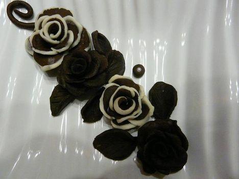Csokirózsáim fehér csokival kombinálva