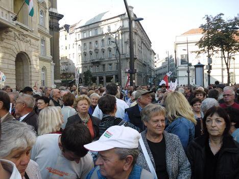 2012 Október 23, Egyetem tér. 20
