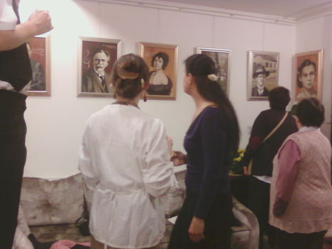 kiállításmegnyitó a Mű-Hely Galériában