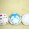 ajándék temari labdák papir diszitéssel