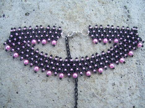 Nyakpánt rózsaszín-feketében