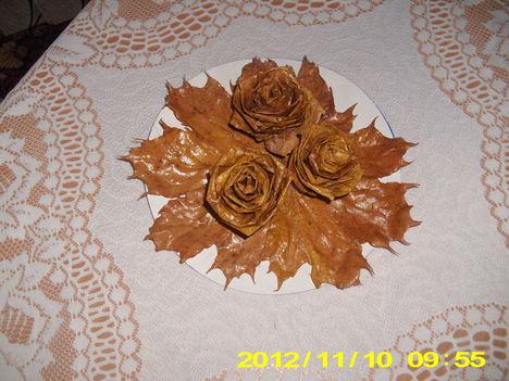 őszi falevélből virágok