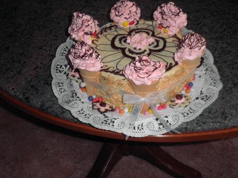 csoki torta Kirácska névnapi zsúrjára