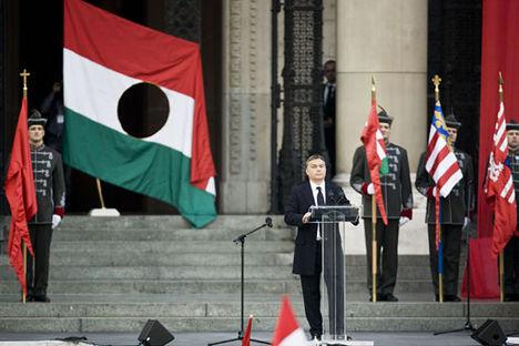 Orbán, a populista jobb futó