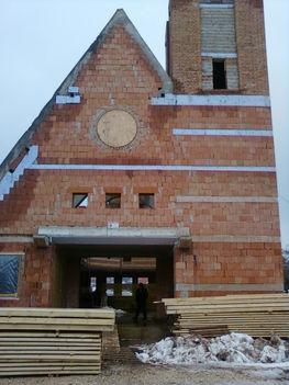 Épülő református templom