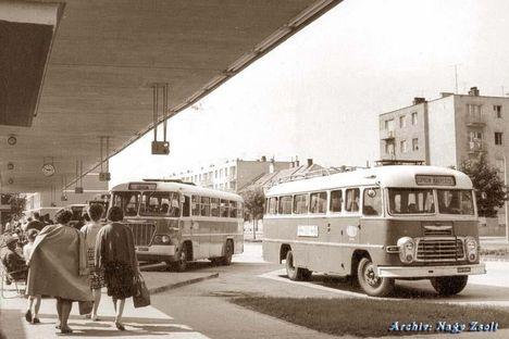 Soproni Busz pályaudvar 1966-ban.- Most is ugyan olyan!