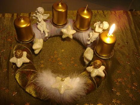 Advent első vasáapja, első gyertya gyújtás.