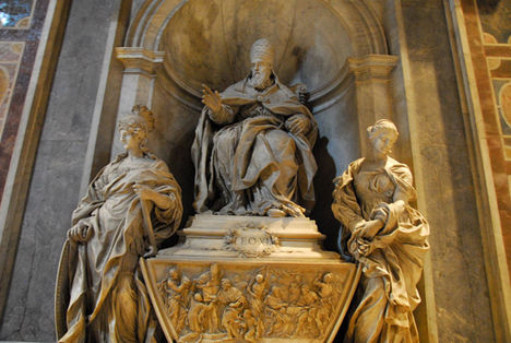 Monument to Pope Leo XI (1605) by Algardi, 1644