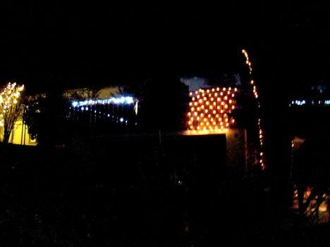 Fény az adventi éjben