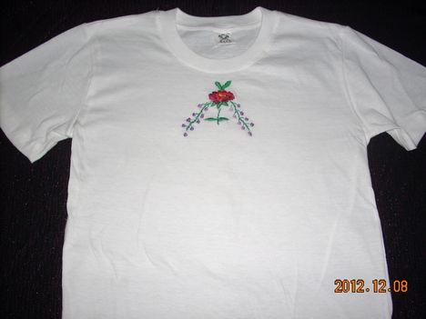 hímzett pólók  monogrammal 3
