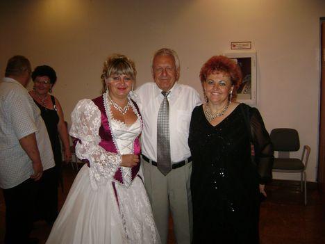 Siska András és Nagy Anikó társaságában