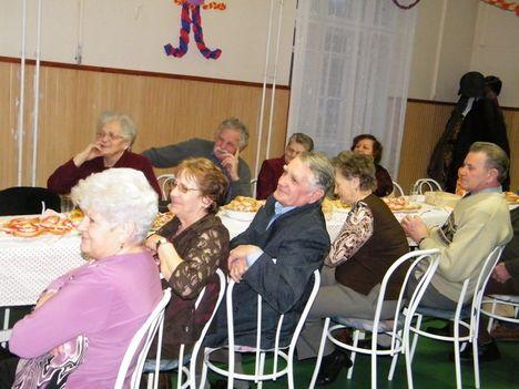 Nyugdíjasklub farsangja 04