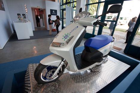 Peugeot elektromos robogó