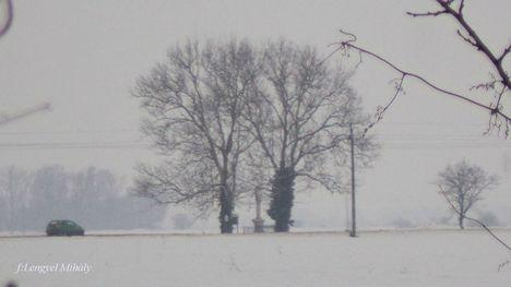 Bódog napján, havas, ködös...