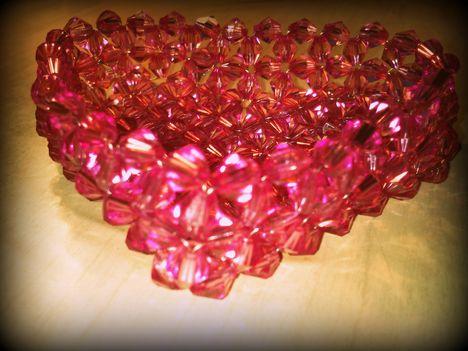 Ékszertartó kosárka akril gyöngyökből