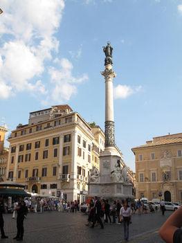 obelisk-spanish-square