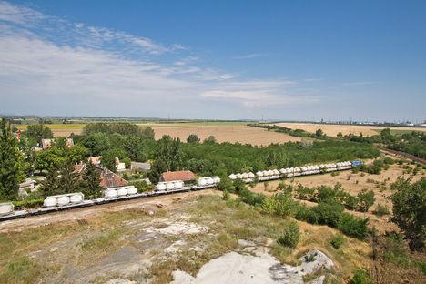szlovák mozdony cement vagonokal ercsi felé