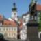 Bécsikapu tér Kisfaludy  Károly szobrával.Háttérben a Bazilika