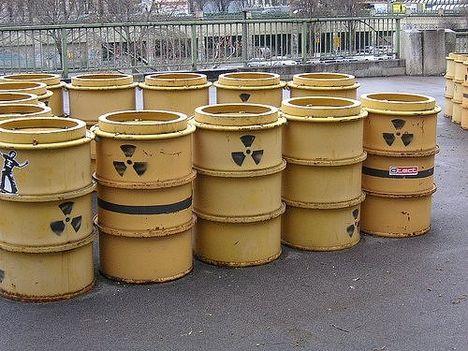nukleáris hulladék hordók