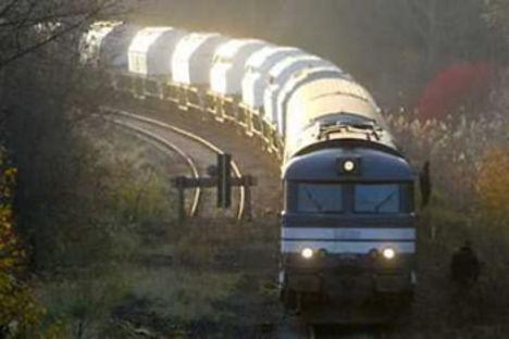 nukleáris hulladékot szállító vonat