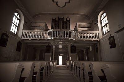 Csikkarcfalvi templom belselye, az orgona