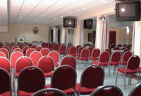 konferencia_terem