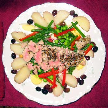Nikoszi saláta