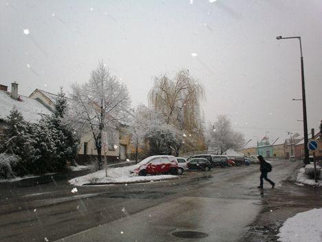 téli kép a Híd utcában