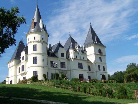 A tiszadobi Andrássy -kastély