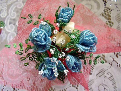 kék rózsa csokor