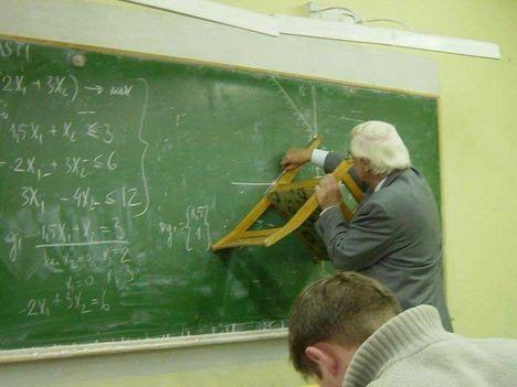 leleményes tanár bácsi