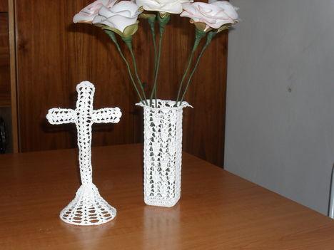 álló kereszt, váza