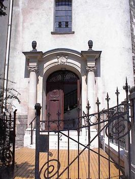 Kecskeméti templom oldalbejarat