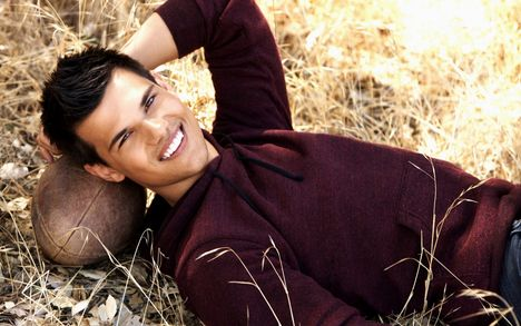Taylor-Lautner-2013-Taylor-Lautner-Background-HD-Wallpaper