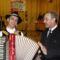 Korsós Róbert nemcsak remekül konferált, de harmonikán is kísért minket