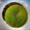 Egy Zöld Minibolygó Gönyű Mellett