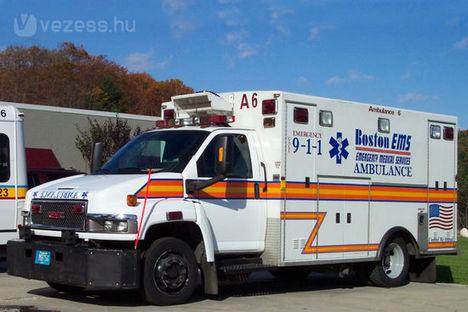 XXL-es mentőautó extrakövér betegeknek