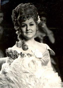 Ágai Karola 1970 -Traviata - Violetta