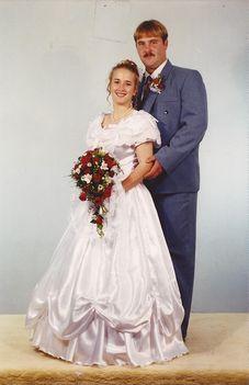 Attila, Zsuzsa esküvői képe 1999