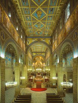 A bazilika főhajója PÉCS