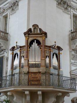 A székesegyház egyik orgonája